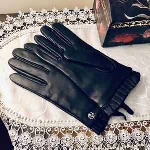Adrienne Vittadini Black Leather Gloves, New